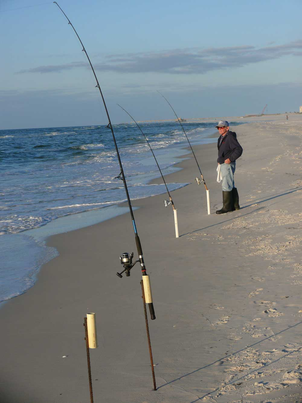 Bull Redfish Off the Beach   Great Days Outdoors